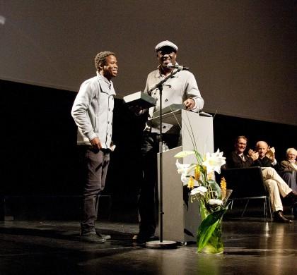 Masanda Ntshanga winning the New Voices Award.
